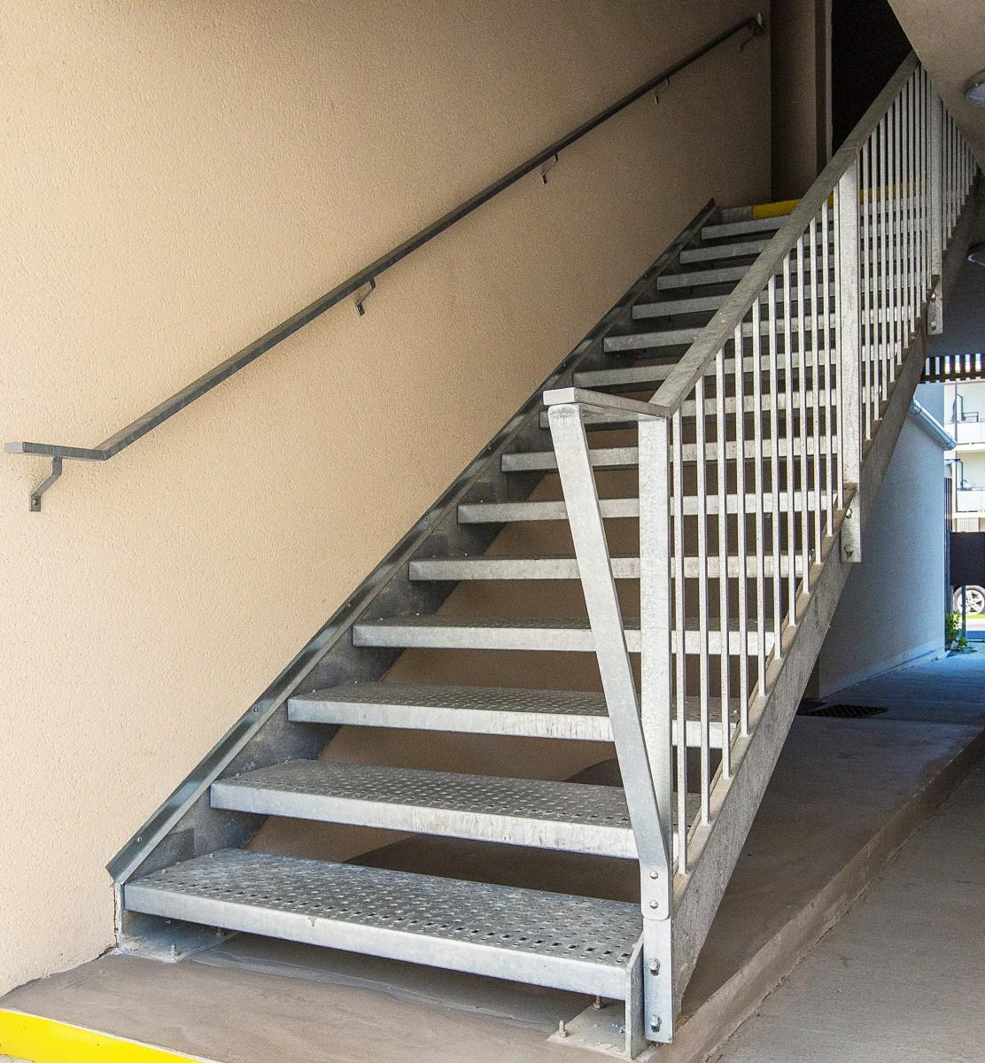 Escaliers ext rieurs - Escalier metallique exterieur industriel ...