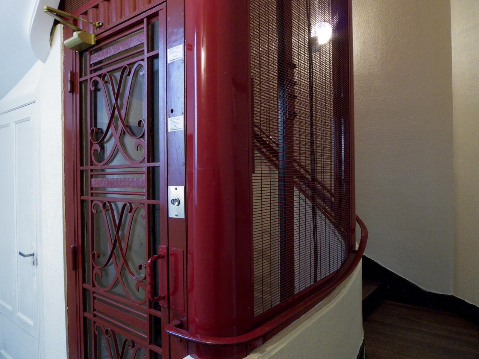 r habilitation gaine d 39 ascenseur. Black Bedroom Furniture Sets. Home Design Ideas