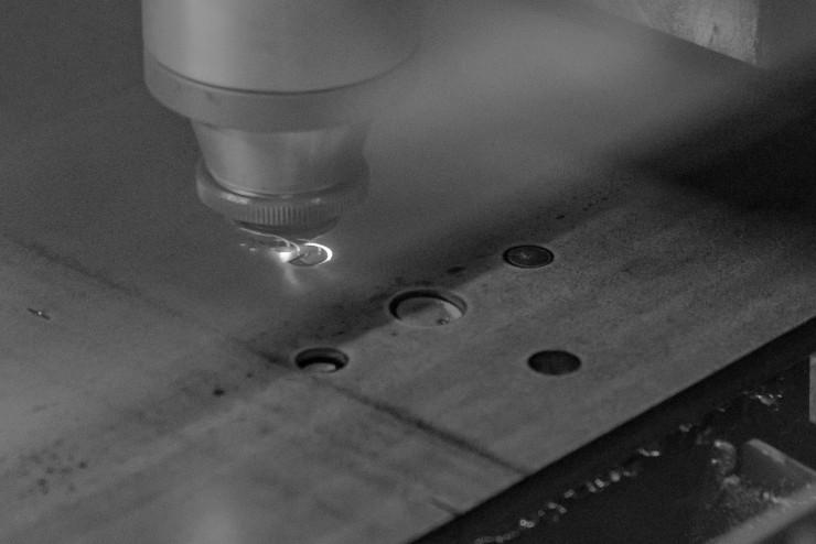 Détail sur la précision de découpe de la machine laser fibre