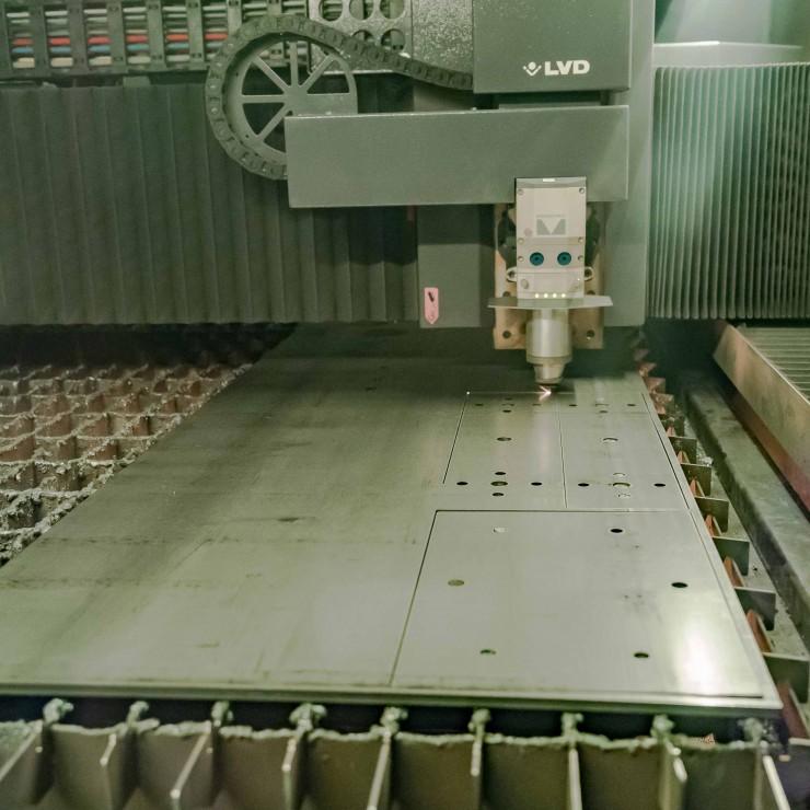 Découpe laser des platines fixation passerelle métallique