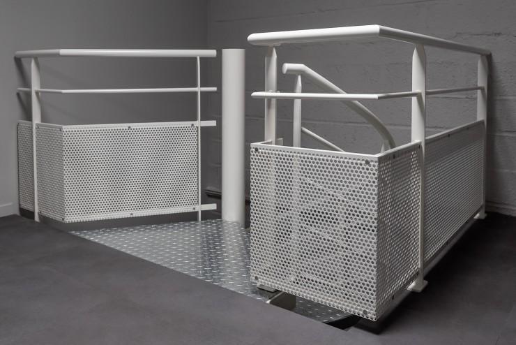 Détail protection métallique pour escalier