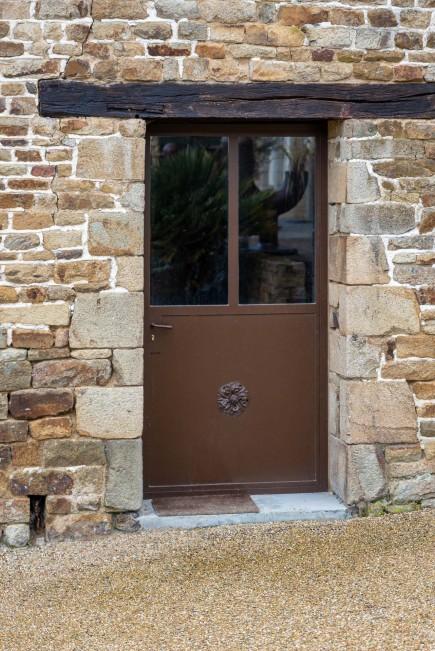 Porte simple vitrée acier