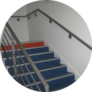 rampe-murale-escalier-acier