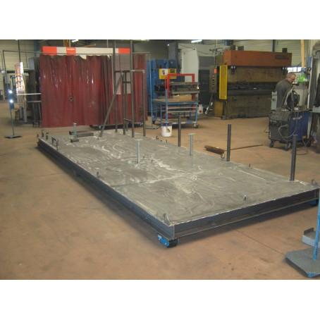 Plateforme mécanousoudée permettant de recevoir de lourdes machines pour l'industrie pétrolière