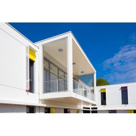 Brise-soleil avec lames en aluminium - pose latérale sur balcon