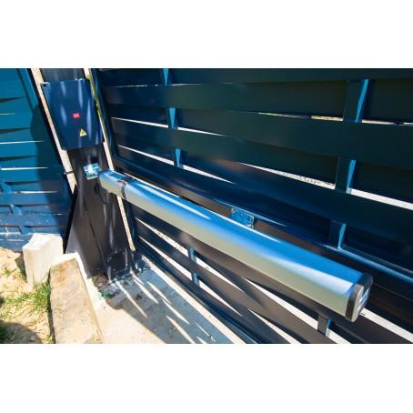 Portail-ouverture automatisée télécommandé-métal tressé type claustra