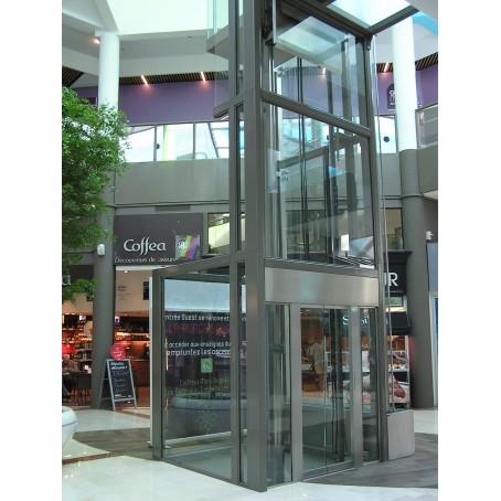 Pylône vitré centre commercial Angers