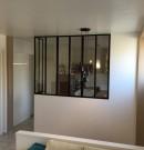 Cloison vitrée sur muret
